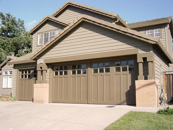 Nakup garažnih in vhodnih vrat