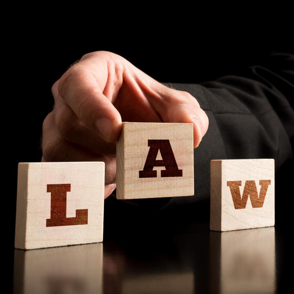 odvetnik-v-ljubljani-je-vedno-zaposlen